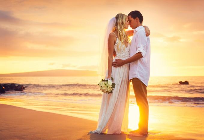 憧れのビーチに彼と。ロマンチックな世界のビーチ7選!
