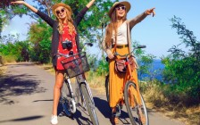 ズボラ女子でも、これだけは必須。女性旅人15名が選ぶ「旅の必需品」とは