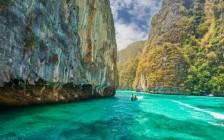タイの「ピピ島」が美しすぎて、まさに楽園中の楽園…