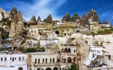 トルコのカッパドキアで1,500年前の洞窟に泊まろう!野宿ではない