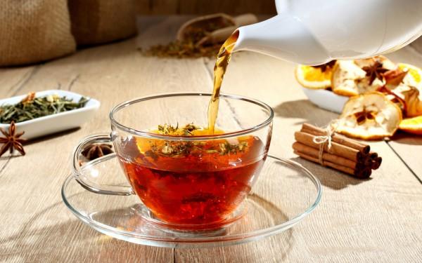 イギリス人は朝・昼・晩で飲む紅茶が変わるって知ってた?