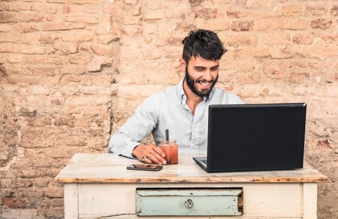 ワーホリ期間中の就職活動には、現地サイトを活用する