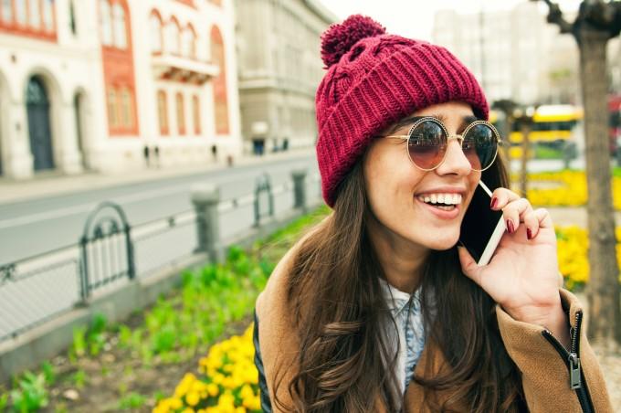 英語で電話対応する時に使える基本フレーズ45選