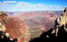 広大な景色が広がるグランドキャニオン国立公園