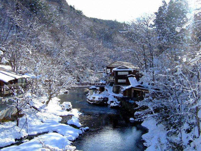 1024px-Ōsawa_Onsen_大沢温泉