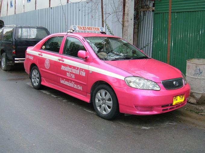 1024px-Bangkok_Toyota_Corolla_taxi