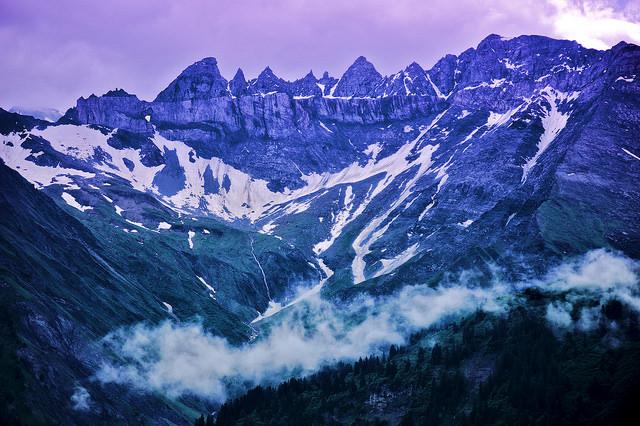 スイスのサルドーナ地殻変動地帯