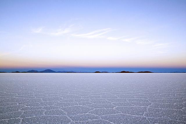 乾期のウユニ塩湖の景色
