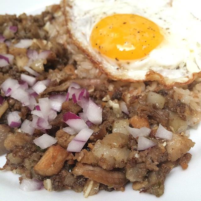 フィリピン定番料理Sisig(シシグ)