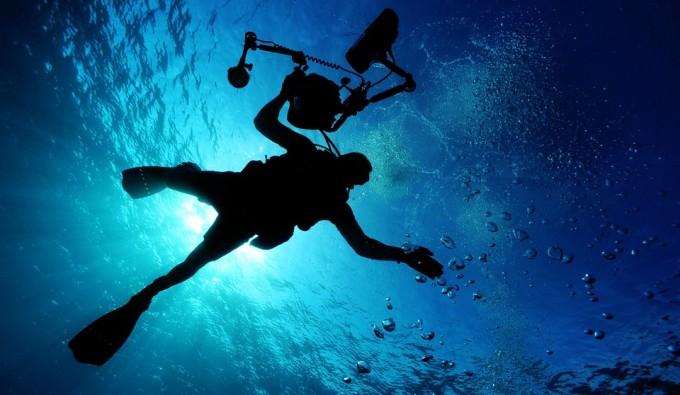 冬の沖縄の海は透明度高いし、秋冬でも装備させつければ海の中の水温はあたたかいから安心