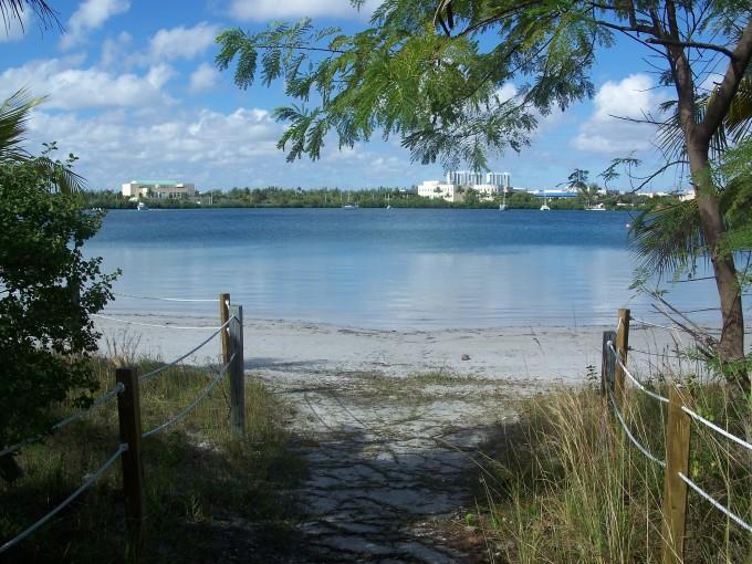 Miami_FL_Oleta_River_SP_beach01