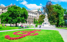 音楽の都ウィーンの観光スポット・カフェ・レストラン40選