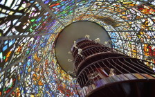 日本国内にある美しいステンドグラスの建物9選