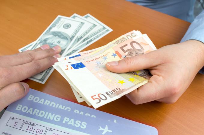 海外で両替する時に使える英語フレーズ32選 | TABIPPO.NET