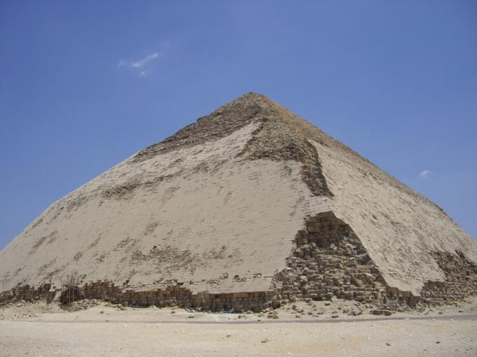 スネフェル王の屈折ピラミッド