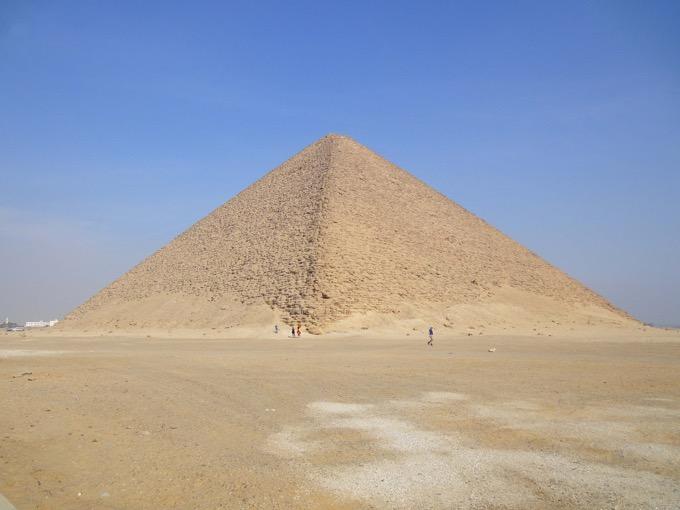 スネフェル王の赤のピラミッド