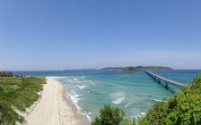 山口県の絶景「角島大橋」が美しすぎて、いますぐ裸足で駆け出したい