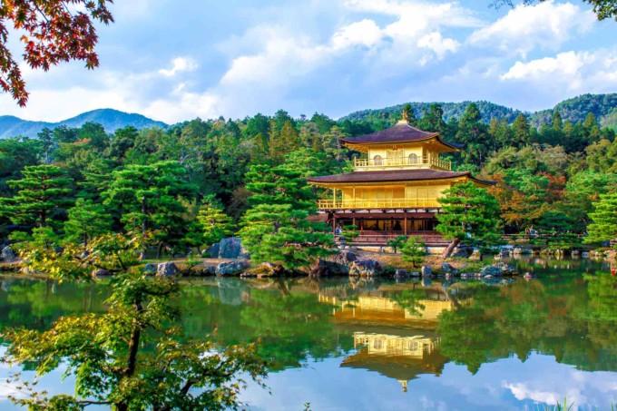 京都の美しい金閣寺