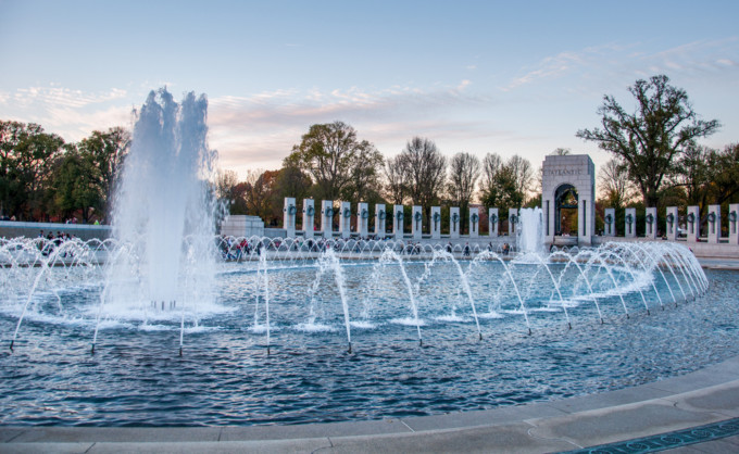 第二次世界大戦記念碑(National World War II Memorial)