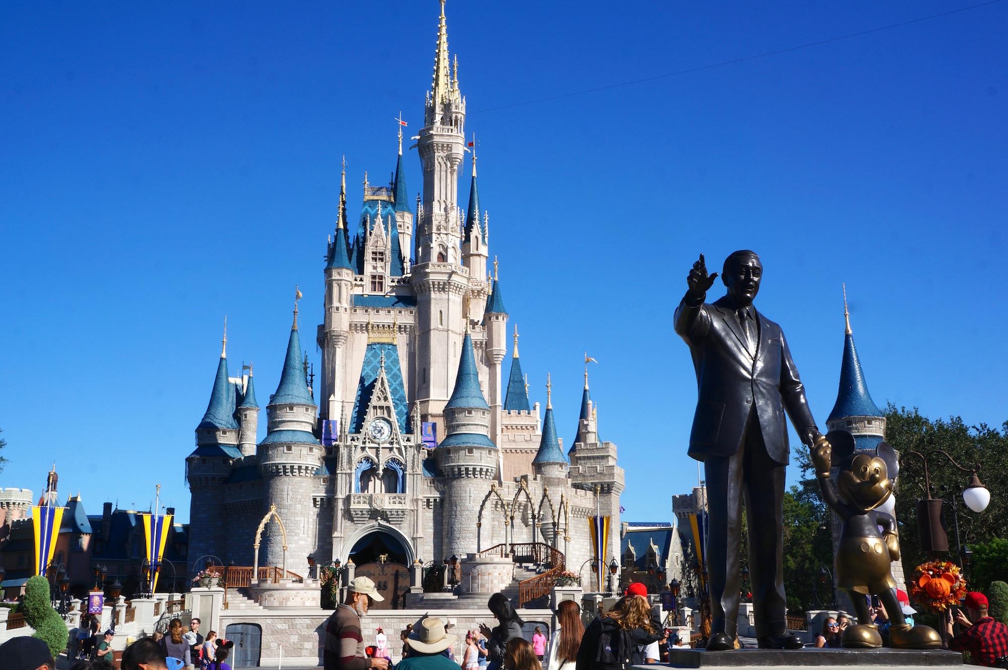 ファンが待ち望んでいた場所は、アメリカのフロリダで見つけました。ウォルト・ディズニー・ワールド内の、マジックキングダム内にそのエリアはあります。