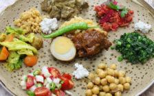 見た目は雑巾、味はゲロ!?エチオピアの主食「インジェラ」を食べてみた結果