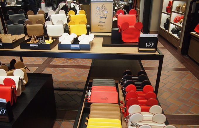 timeless design 55d45 cec53 おしゃれブランドが衝撃価格!パリのアウトレット「ラ・ヴァレ ...