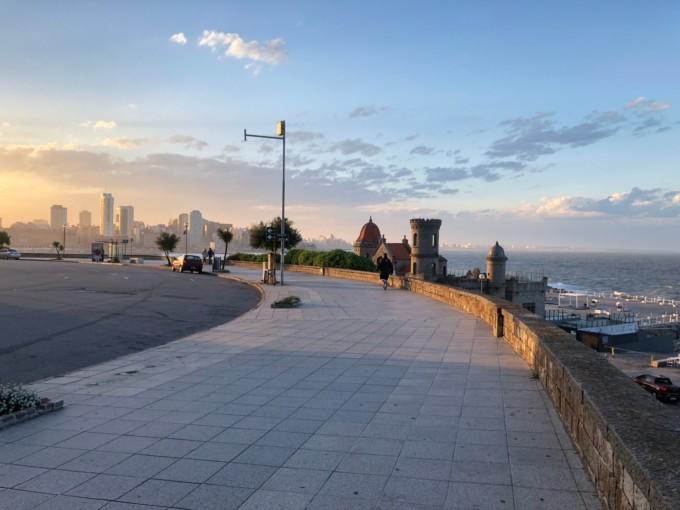 マルデルプラタの海沿いの歩道