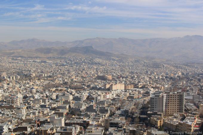 イランのサナンダジュの街並み