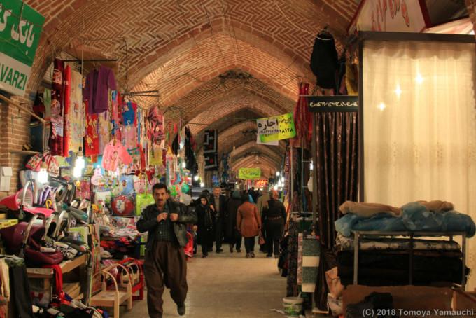サナンダジュのマーケット
