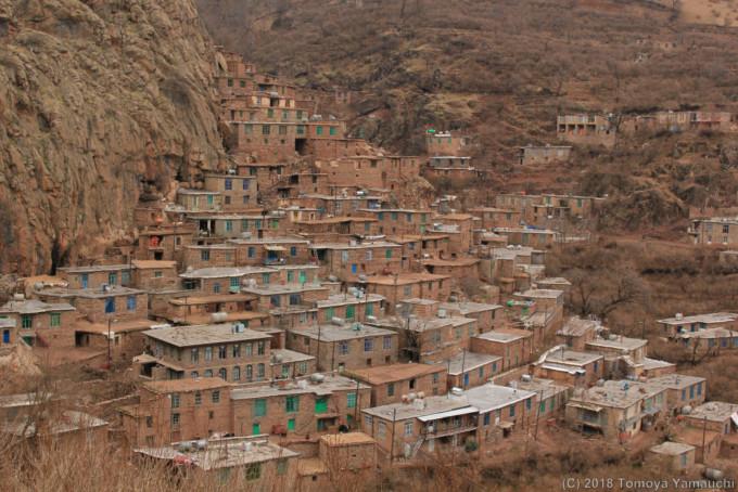 イランのノビン村の街並み