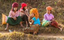 少数民族の村を歩き、修道院に泊まる!格安ミャンマートレッキングツアー