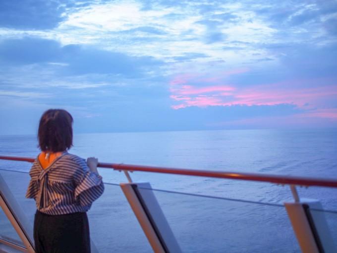クルーズ船内から見るサンセット