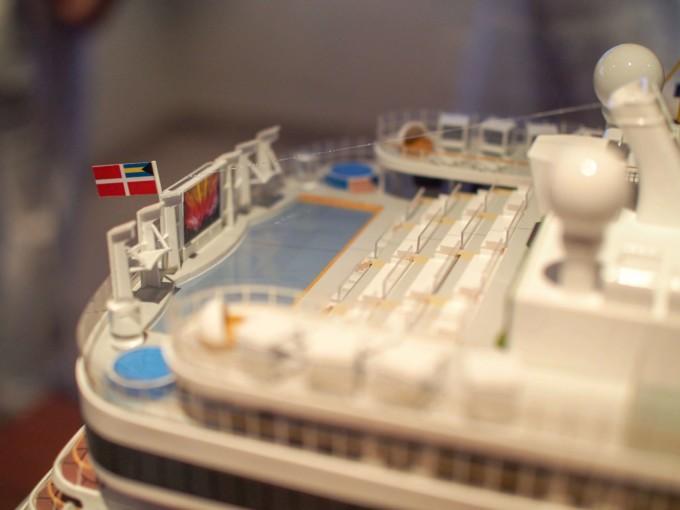 クルーズ船内のミニチュア屋外シアター