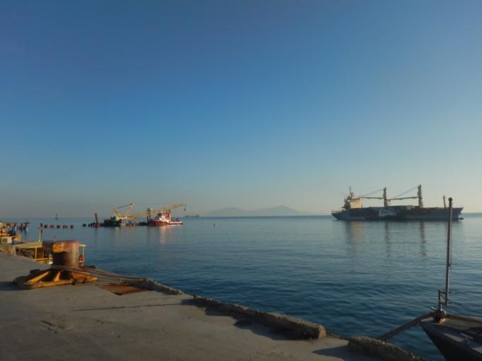 アタウロ島へ向かう時の港