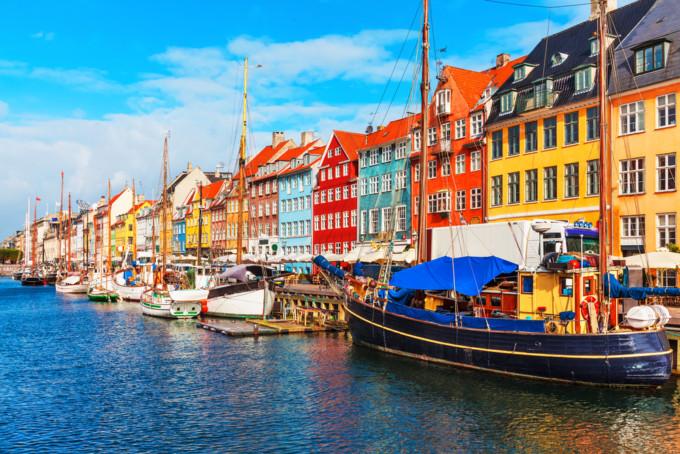 コペンハーゲンのカラフルな街並み