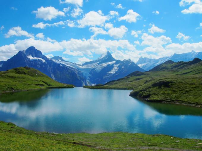 美しいバッハ・アルプ湖