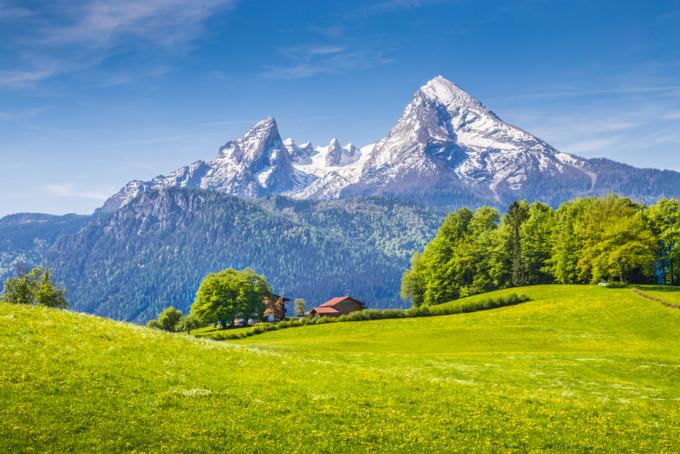 スイスの自然豊かなアルプス