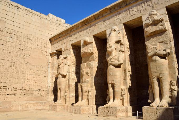 ラムセス三世の葬祭殿(メディネト・ハブ)