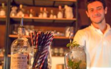 イケメンが作るモヒートがタイの夜を素敵に彩ってくれる