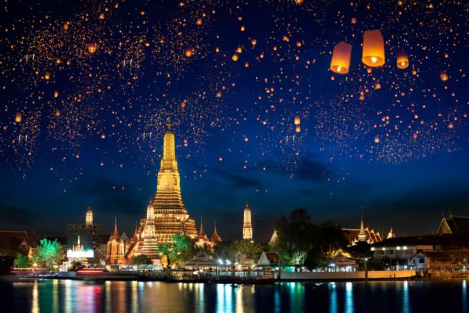 タイのランタンフェスティバルの様子