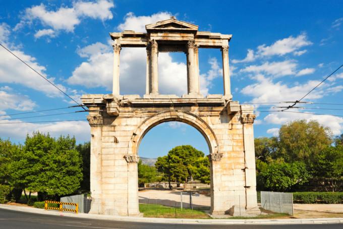 アテネにあるハドリアヌスの凱旋門