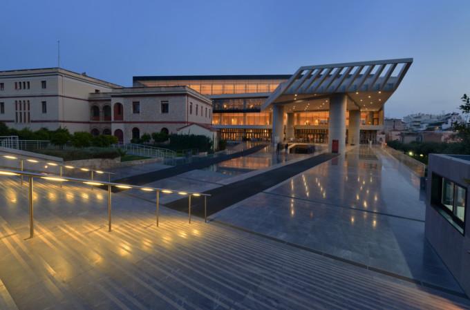 夕暮れのアクロポリス博物館
