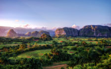 まるで「ジュラシックパーク」の世界!キューバのビニャーレス渓谷で大自然を満喫しよう