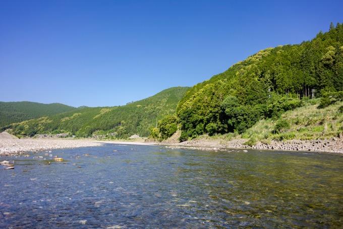 熊野川で三反帆と呼ばれる川舟に乗る