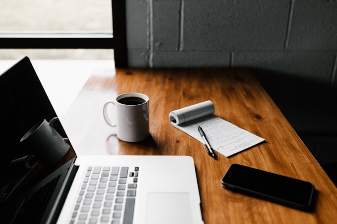 仕事のエントリーに必要な履歴書と職務経歴書の草案を作る
