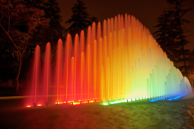 噴水公園の噴水ショー