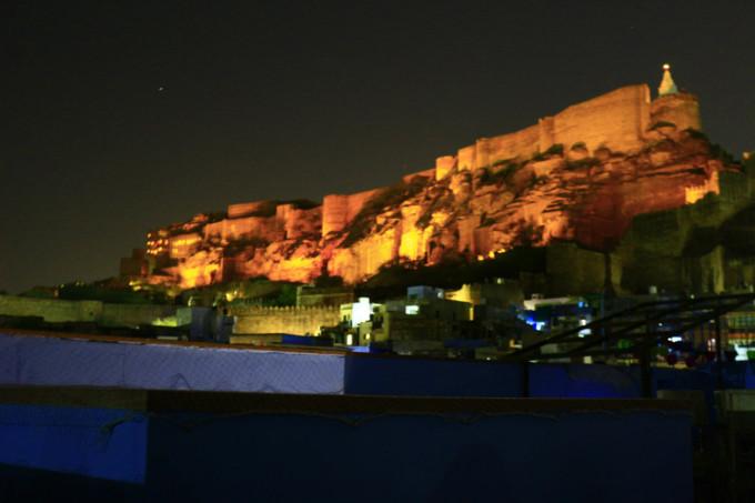 メヘランガル城の夜景