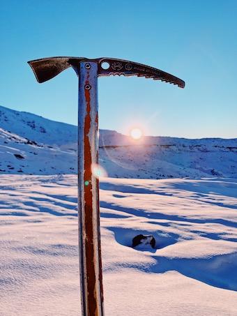 氷河の上から楽しむ朝日や夕日