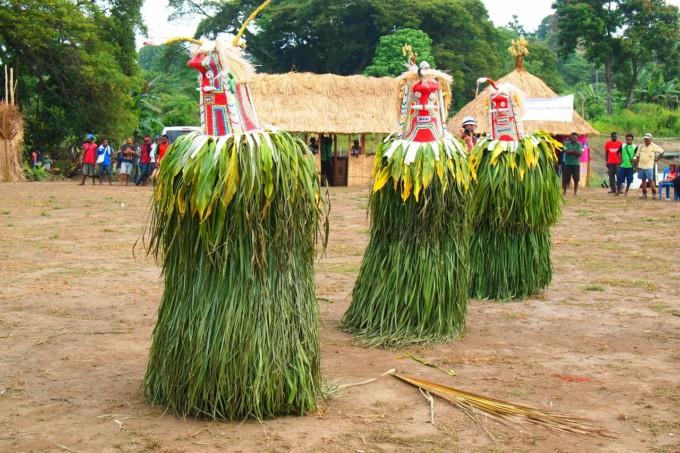 パプアニューギニア お祭り トーライ族