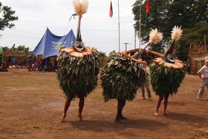 パプアニューギニア 祭り 精霊